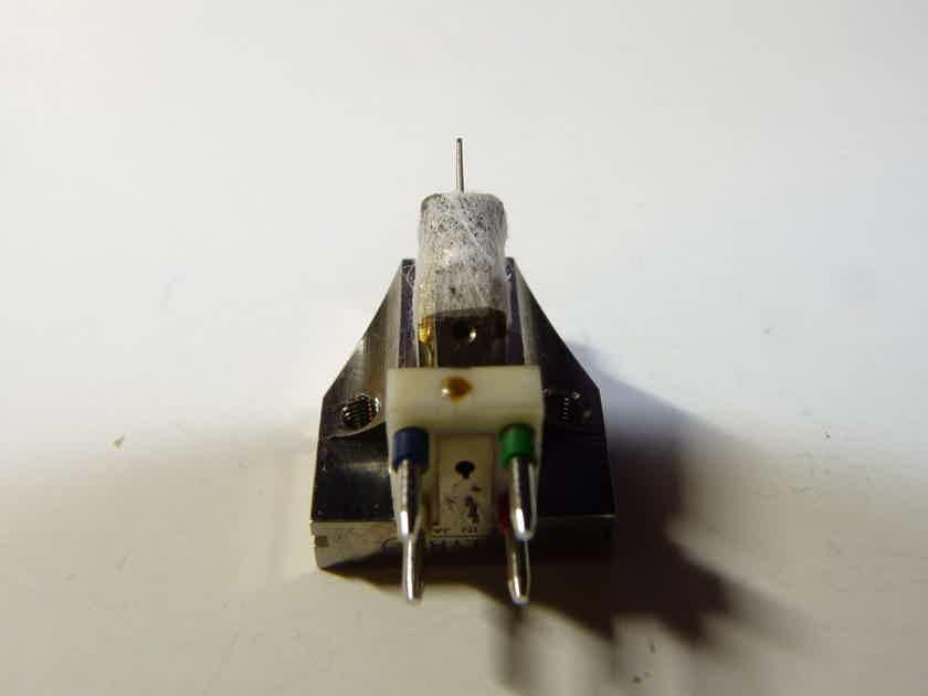 Lyra Titan phono cartridge LOMC