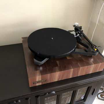 "Butcher Block Acoustics 17"" X 14"" X 3"" Walnut End-Grain Audio Platform"