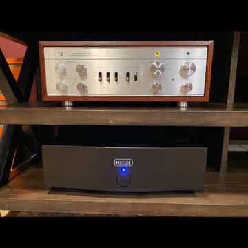 Hegel H20 Amplifier
