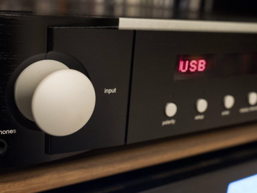 Mark Levinson  No 526 Preamplifier