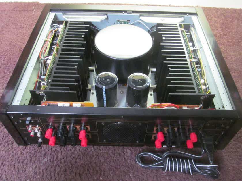 DBX BX-3 Power  Amplifier