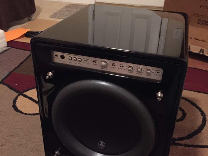 JL Audio F112 v2 black gloss Mint customer trade-in