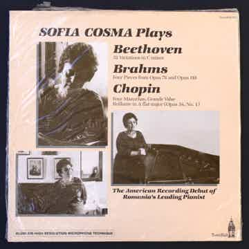 Plays Beethoven Brahms + Chopin