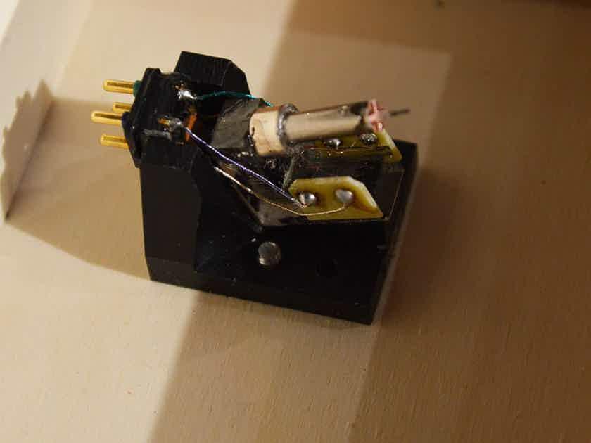 Van den Hul The Colibri XGP MC Phono Cartridge - Low Hour