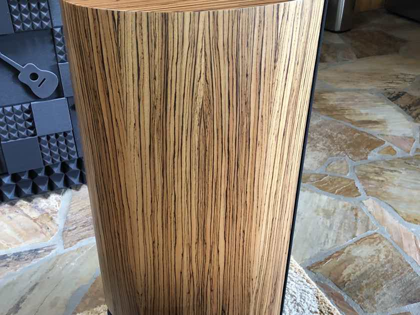 Montana Loudspeakers, a Division of  PBN Audio, LLC Hadley 1 owner Gorgeous pair 9mths old HADLEY speakers