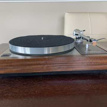 Linn LP 12 w/ Lingo power supply