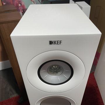 KEF R3