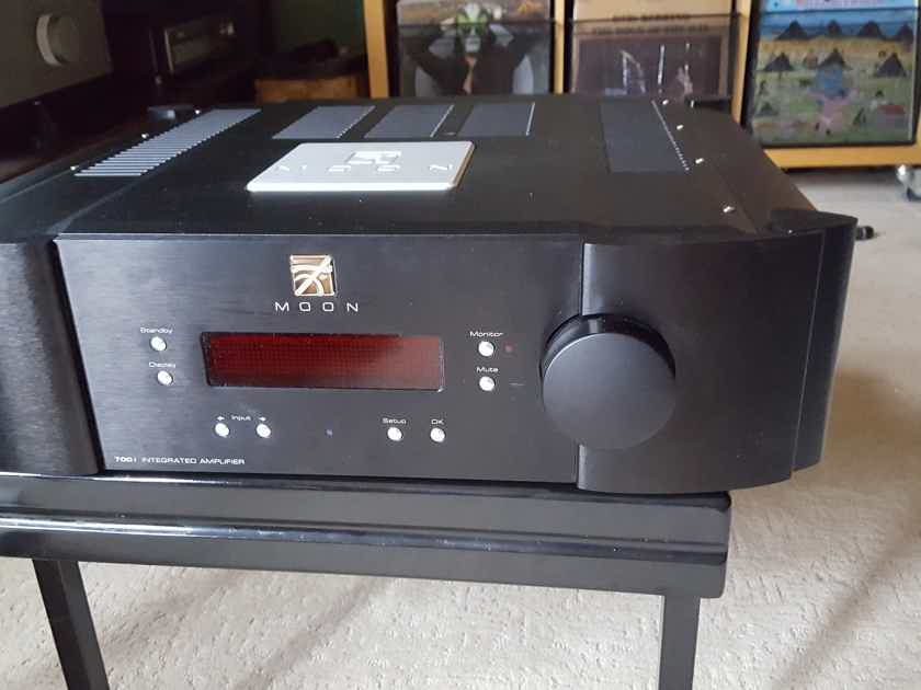 Simaudio MOON 700i Integrated Amplifier