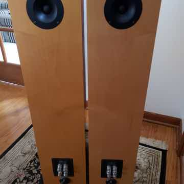 Von Schweikert Audio VR-2
