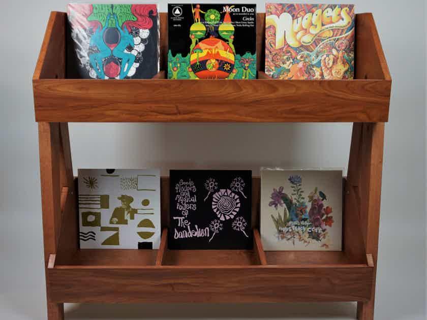 DK Vinyl Displays The Vinyl Stand