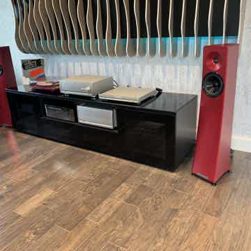 YG Acoustics Carmel 2 world-class floorstanding speaker...