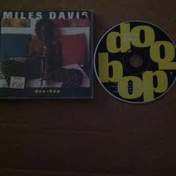 Miles Davis - Doo-Bop Warner Brothers Records Compact D...