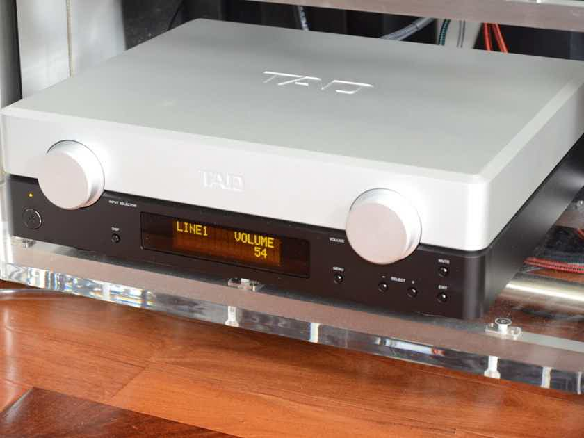 TAD  C2000 Evolution Preamp