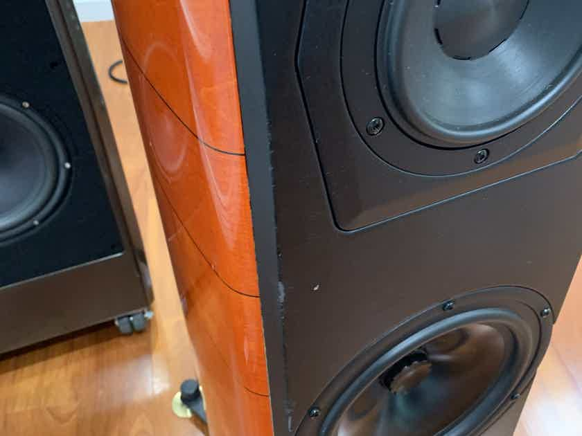 Sonus Faber Amati Anniversario, local pickup only. New Factory Grills included.