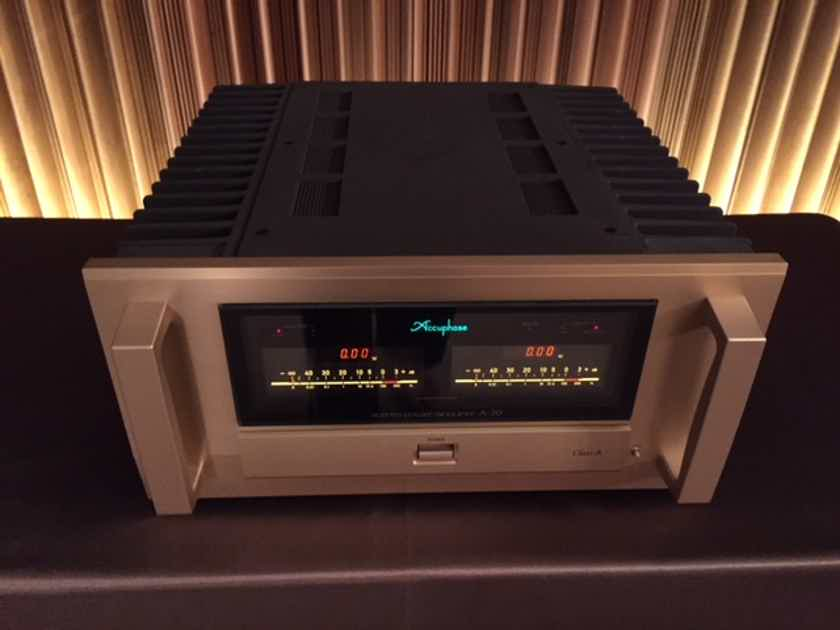 Accuphase A-70 Stereo Amp