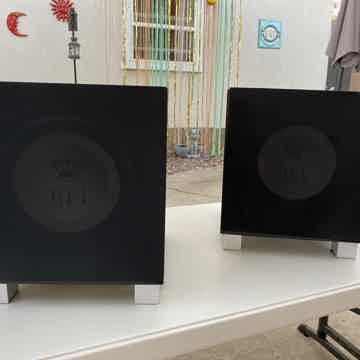 REL Acoustics T9i