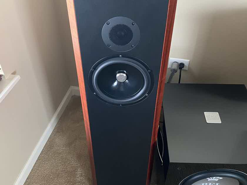 Kudos Audio Titan 707 Loudspeakers in Red Tineo (MINT CONDITION) 10/10