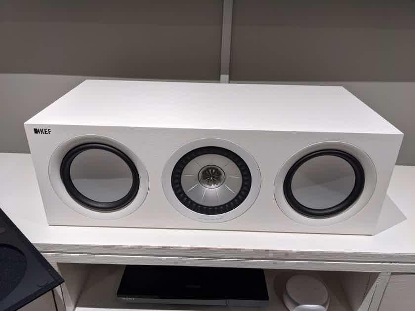 KEF Q650c White w/grille