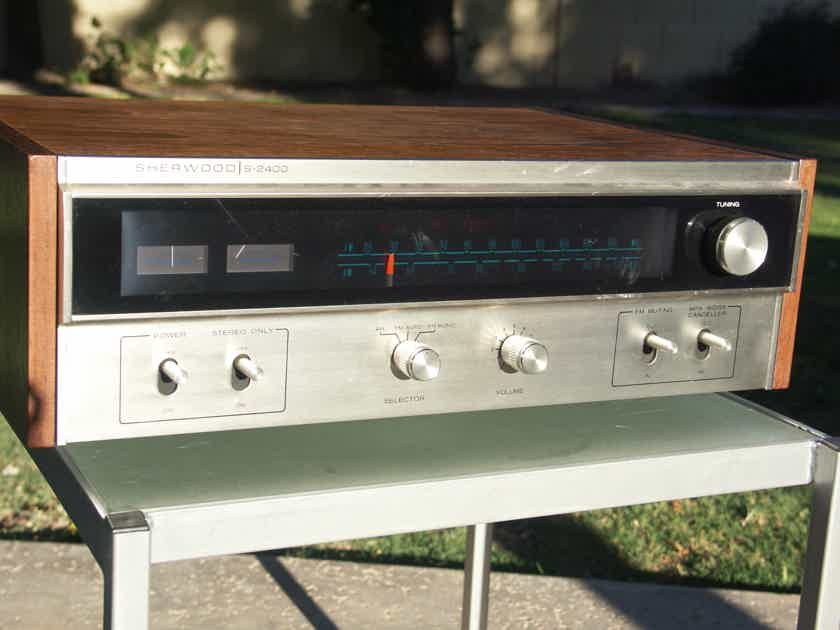 Sherwood S-2400 AM FM stereo tuner with Audio Horizon mods by Joseph Chow