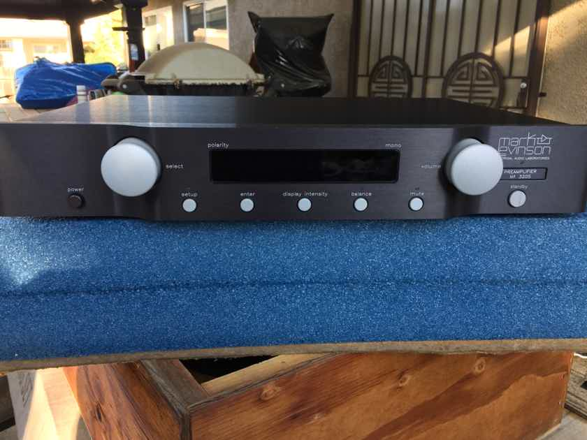 Mark Levinson No 320s ( Free shipping and paypal ) mint condition...