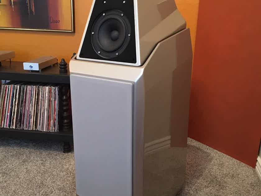 Wilson Audio  Sasha 1 - Recently purchased as Wilson Factory Re-certified - Like new and Complete