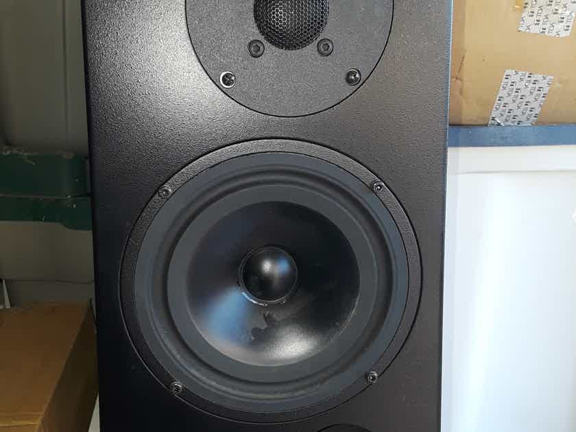 MBL 323 SPEAKERS 323 BOOKSHELF