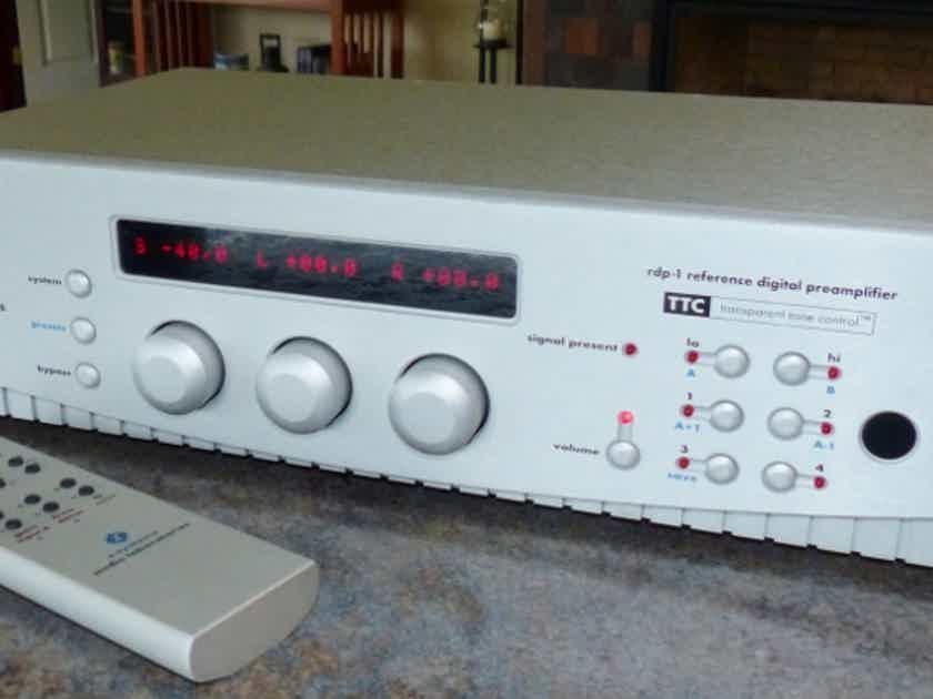 Z-systems RDP-1  Digital Pre Amp in Silver