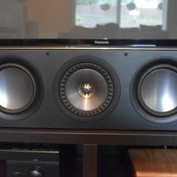 KEF Q600C