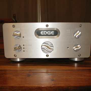 Edge Electronics Signature 1 Preamp A/C-D/C operation! ...