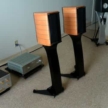 Sonus Faber Cremona Auditor M with Dedicated Stands in ...