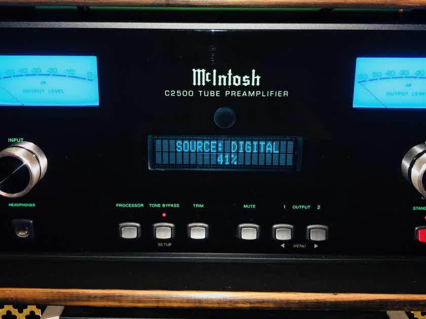 McIntosh C2500 Tube pre-amp  w phono and 24bit DAC