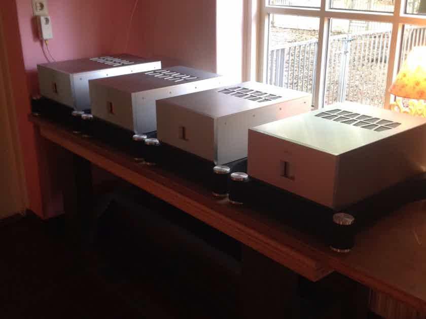 TAD M600 Power Amplifier (4 pieces)