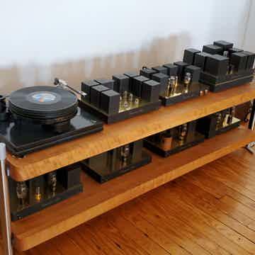 Boenicke Audio  Large Rack