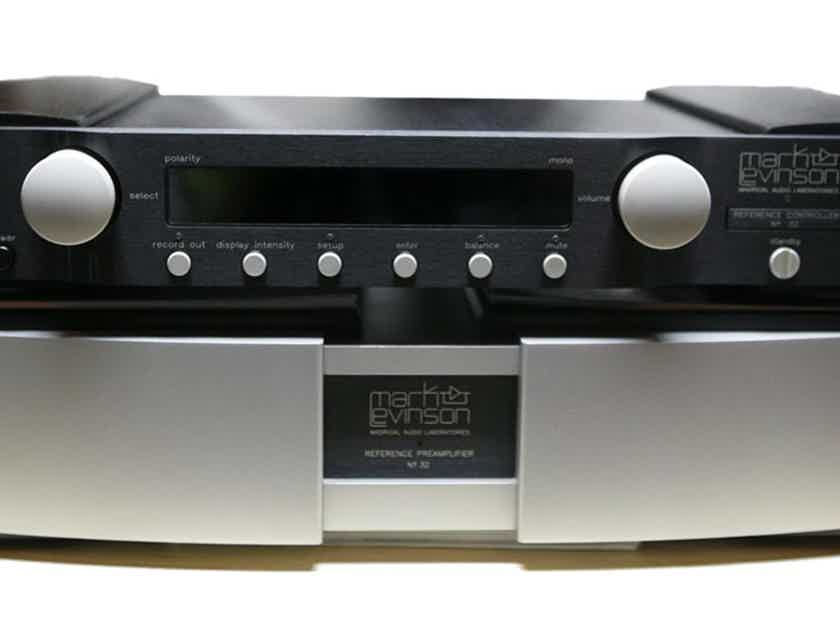 Mark Levinson  Nº32  Reference Preamplifier