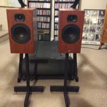 Aperion Audio Intimus 6B