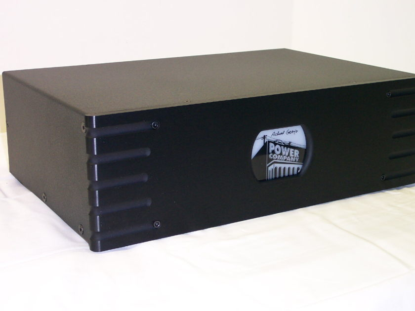 Richard Gray Power Company RGPC 1200c Black 12 Outlet Power Conditioner