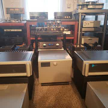 Spectral DMA-400 RS Mono amps