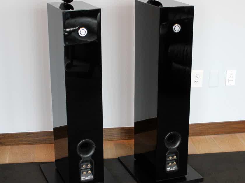B&W (Bowers & Wilkins) CM10 Loudspeaker Pair in Gloss Black Finish