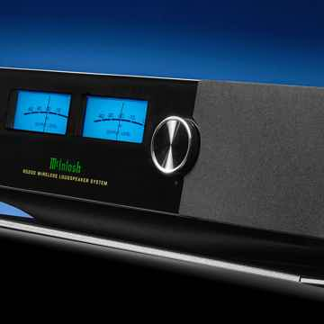 McIntosh RS200 integrated streamer w built-in speakers