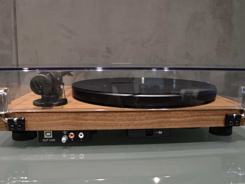 Pro-Ject Audio Systems Debut RecordMaster - Matte Walnut
