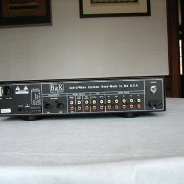 B & K Components  Reference 5 S2 Preamp/Tuner