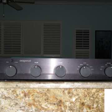 28 K LINESTAGE PREAMPLIFIER WITH REMOTE