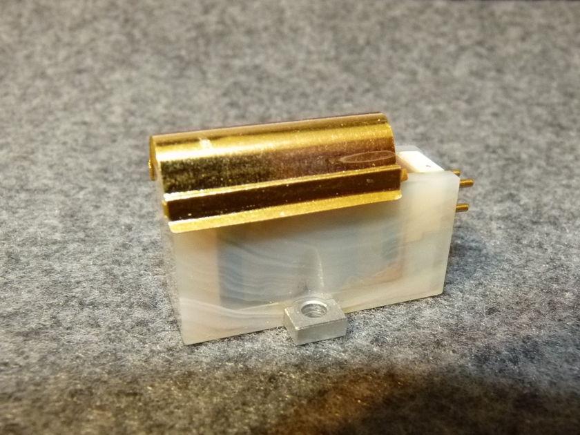 Koetsu Onyx Platinum Diamond phono cartridge top MC type