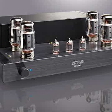Octave RE290 in black finish