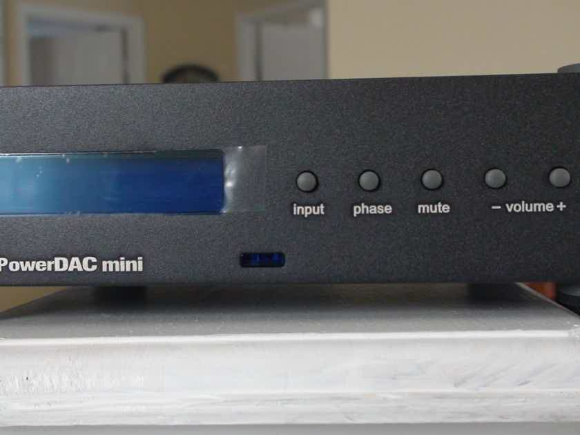 WADIA MINI 151 INTREGRATED DAC ONE MONTH IN PERFECT CONDITION