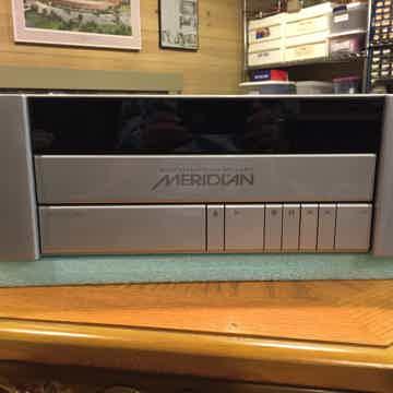 Meridian 800 DVD/CD