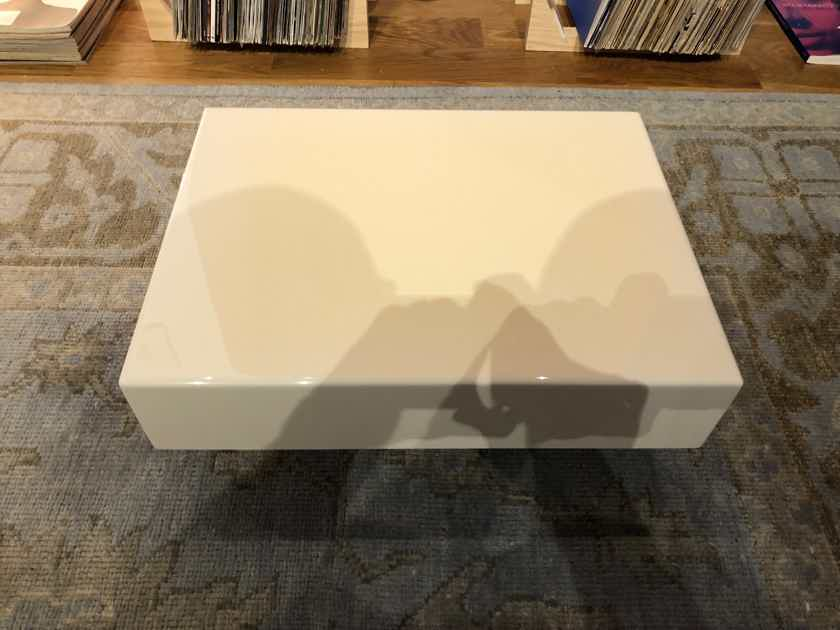 Silent Running Audio Ohio-Class XL IsoBASEPlatform -- For Amps or Heavy Equipment