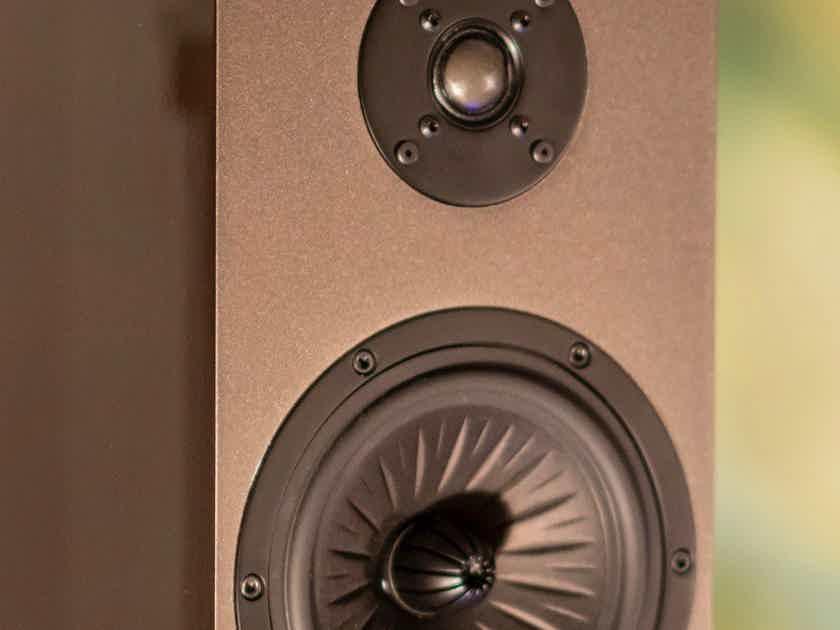 Pre-Sale - Verdant Audio - Nightshade 1 - Fiberglass Cabinet