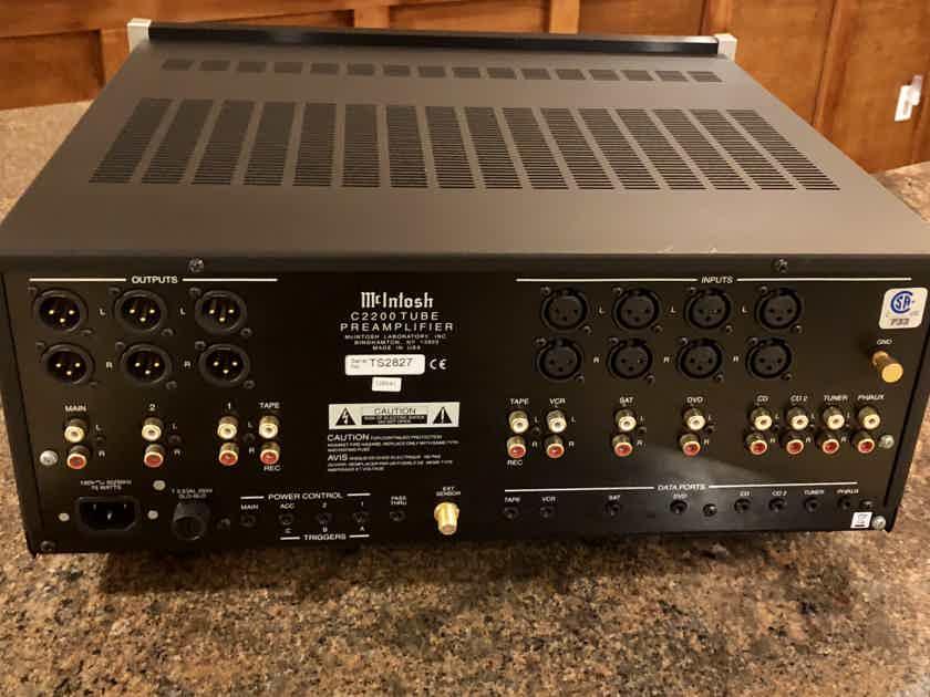 McIntosh C-2200 Preamplifier