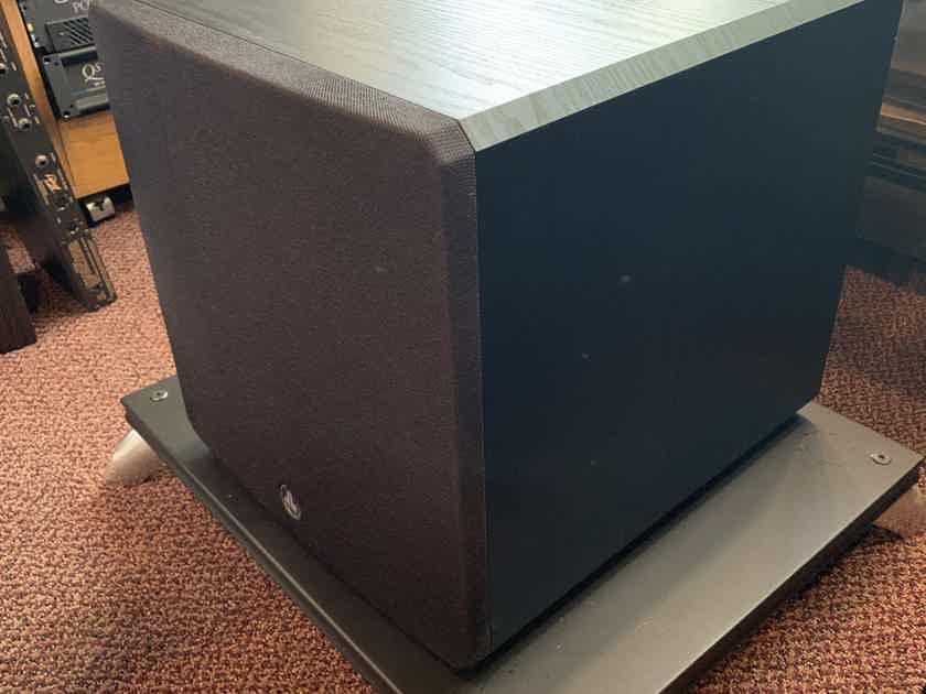 JL Audio E-112 1500 watt Powered Subwoofer
